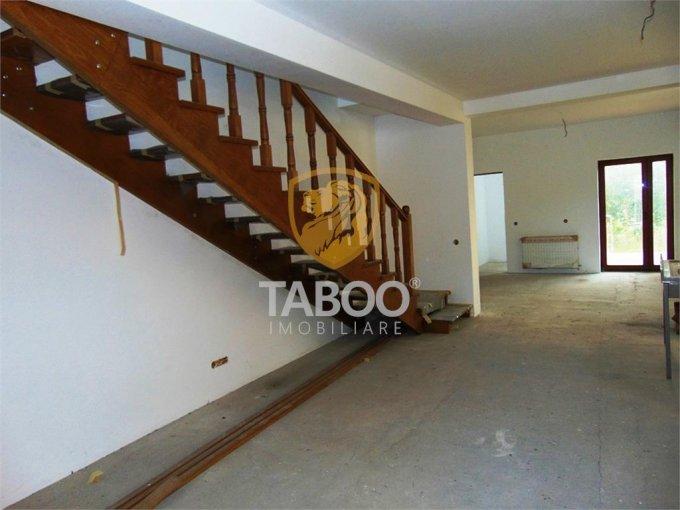 vanzare Casa Sibiu cu 6 camere, cu suprafata utila de 186 mp, 4 grupuri sanitare. 93.000 euro.. Casa vanzare Gusterita Sibiu
