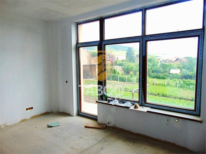 vanzare Casa Sibiu cu 6 camere, cu suprafata utila de 186 mp, 4 grupuri sanitare. 97.000 euro.. Casa vanzare Gusterita Sibiu