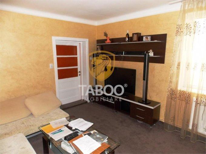 Casa de vanzare direct de la agentie imobiliara, in Sibiu, zona Turnisor, cu 120.000 euro. 4 grupuri sanitare, suprafata utila 192 mp. Are  6 camere.