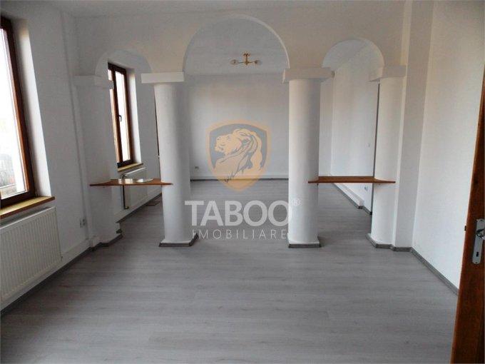 vanzare Casa Sibiu cu 6 camere, cu suprafata utila de 247 mp, 3 grupuri sanitare. 215.000 euro.. Casa vanzare Calea Dumbravii Sibiu