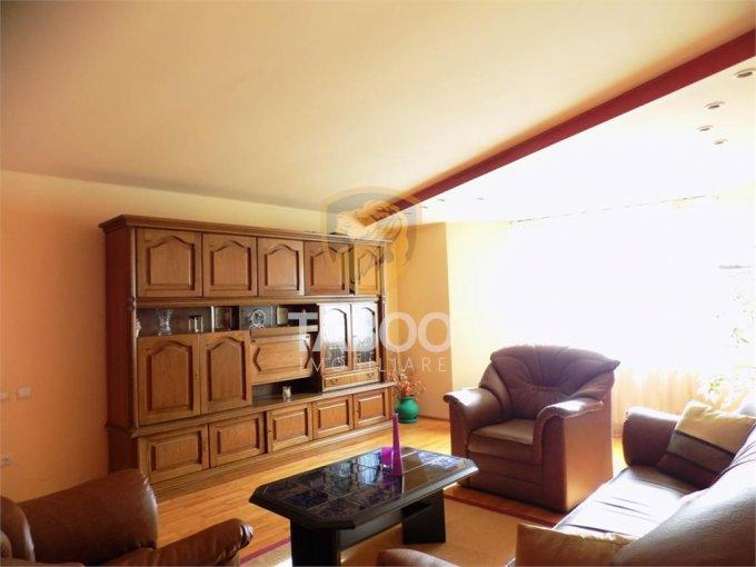 inchiriere Casa Sibiu cu 6 camere, cu suprafata utila de 290 mp, 2 grupuri sanitare. 900 euro.. Casa inchiriere Strand Sibiu