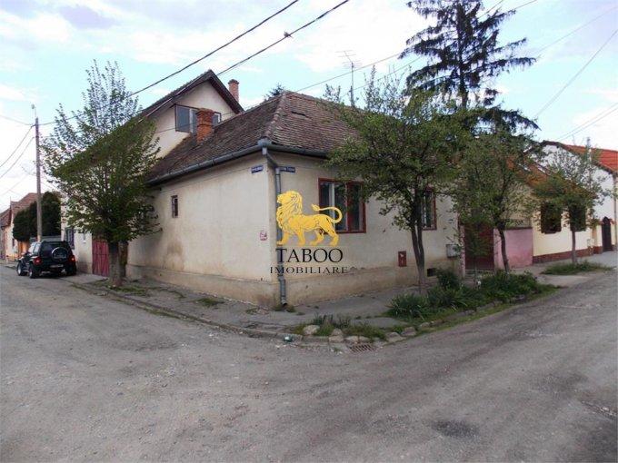 Terezian Sibiu casa cu 7 camere, 3 grupuri sanitare, cu suprafata utila de 200 mp, suprafata teren 400 mp si deschidere de 38 metri. In orasul Sibiu Terezian.
