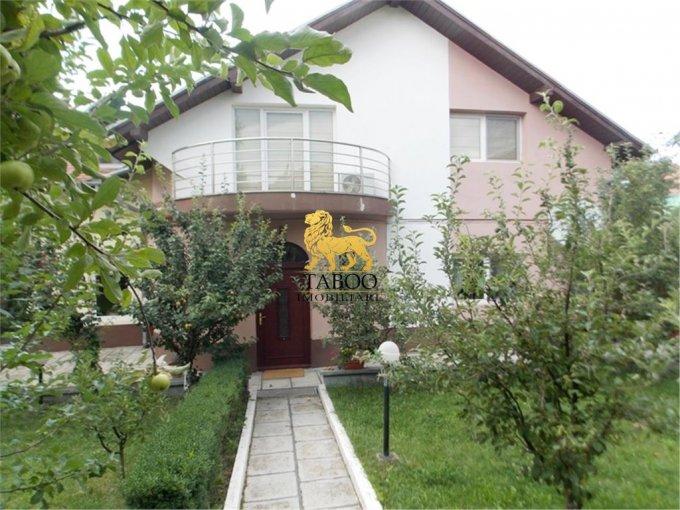Sibiu casa cu 7 camere, 3 grupuri sanitare, cu suprafata utila de 275 mp, suprafata teren 1000 mp si deschidere de 20 metri. In orasul Sibiu.
