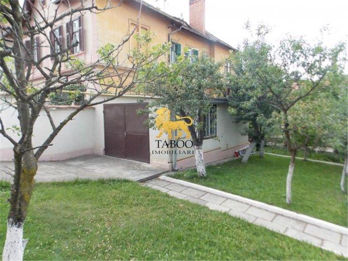 Casa de inchiriat in Sibiu cu 7 camere, cu 3 grupuri sanitare, suprafata utila 275 mp. Suprafata terenului 1000 metri patrati, deschidere 20 metri. Pret: 3.000 euro. Casa