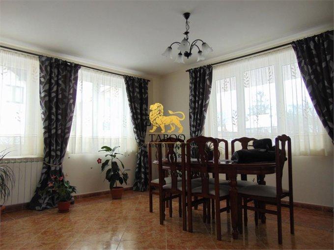 vanzare Casa Cisnadie cu 8 camere, cu suprafata utila de 444 mp, 4 grupuri sanitare. 144.000 euro.. Casa vanzare Cisnadie  Sibiu