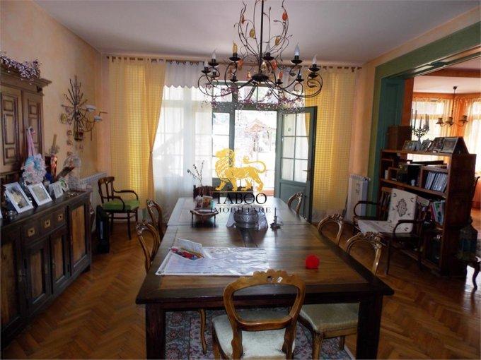 vanzare Casa Sibiu cu 8 camere, cu suprafata utila de 440 mp, 4 grupuri sanitare. 450.000 euro.. Casa vanzare Strand Sibiu