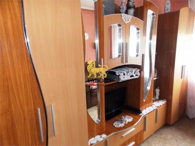 Garsoniera de vanzare direct de la agentie imobiliara, in Sibiu, zona Lazaret, cu 16.000 euro. 1 grup sanitar, suprafata utila 18 mp.