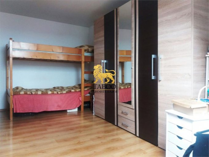 vanzare Garsoniera Sibiu, cu 1 grup sanitar, suprafata utila 40 mp. Pret: 22.500 euro.
