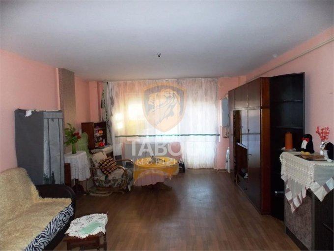 Garsoniera de vanzare in Sibiu, cu 1 grup sanitar, suprafata utila 40 mp. Pret: 32.000 euro.