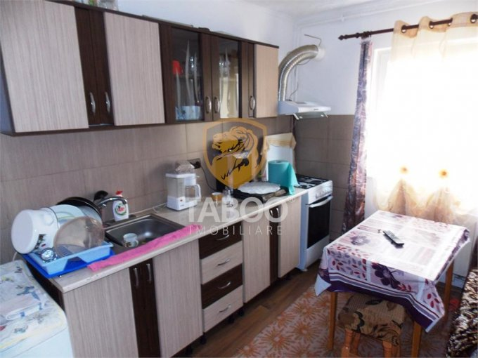 Garsoniera vanzare Compa etajul 2 din 5 etaje, 1 grup sanitar, cu suprafata de 24 mp. Sibiu, zona Compa.