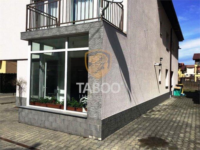 Garsoniera de vanzare direct de la agentie imobiliara, in Sibiu, zona Calea Poplacii, cu 39.900 euro. 1 grup sanitar, suprafata utila 33 mp.
