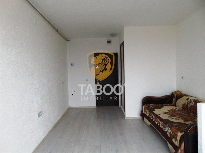 Garsoniera vanzare etajul 2 din 2 etaje, 1 grup sanitar, cu suprafata de 20 mp. Cisnadie.