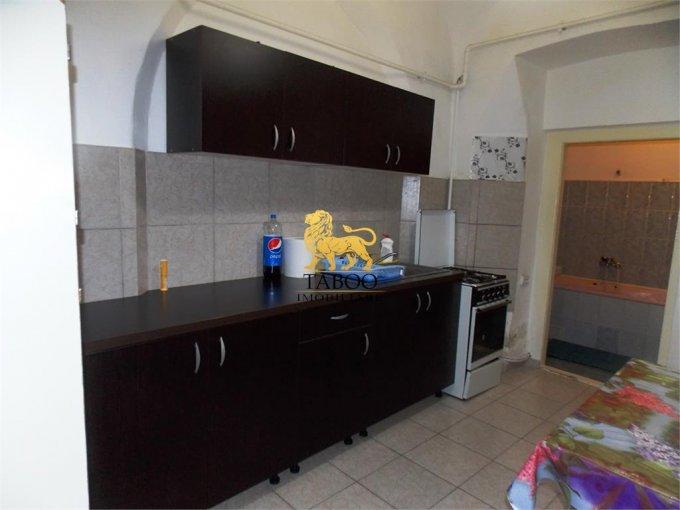 inchiriere Garsoniera Sibiu, cu 1 grup sanitar, suprafata utila 30 mp. Pret: 200 euro.