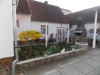 agentie imobiliara vand Pensiune cu 1 etaj, cu 11 incaperi zona Cristian, orasul Sibiu