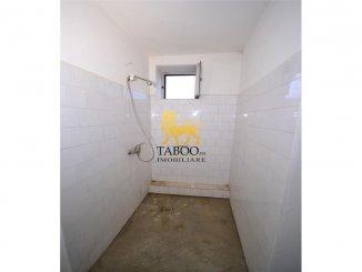agentie imobiliara vand Spatiu comercial 12 camere, 450 metri patrati, comuna Cristian