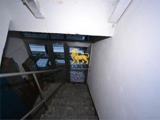 vanzare de la agentie imobiliara, Spatiu comercial cu 12 incaperi, comuna Cristian