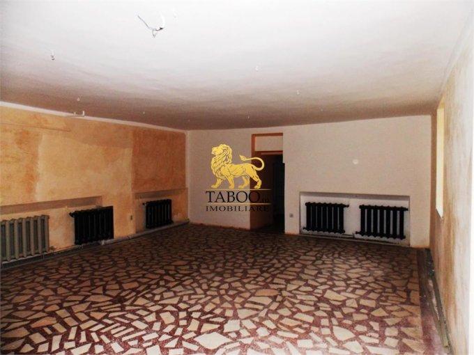 de vanzare spatiu comercial cu 2 incaperi, 2 grupuri sanitare, suprafata de 70 mp. In orasul Sibiu. 65.000 euro.