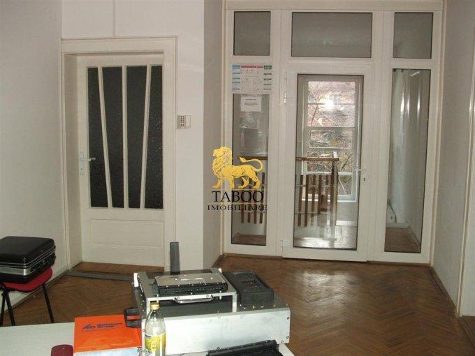 Spatiu comercial de inchiriat direct de la agentie imobiliara, in Sibiu, cu 1.300 euro. 1 grup sanitar, suprafata utila 120 mp.