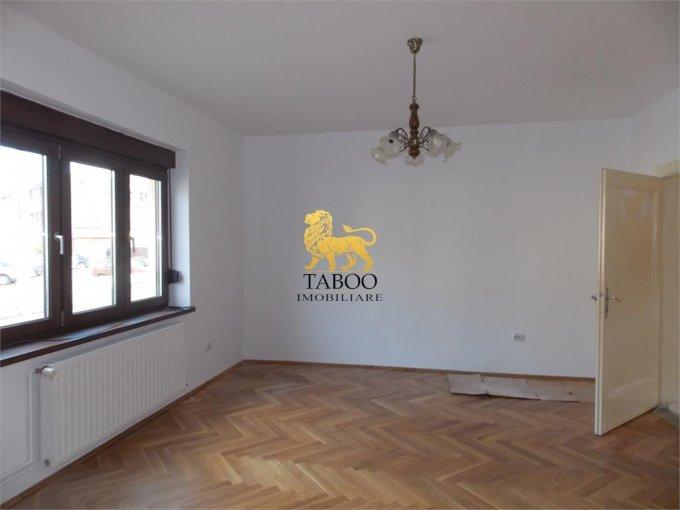 de inchiriat spatiu comercial cu 5 incaperi, 3 grupuri sanitare, suprafata de 115 mp. In orasul Sibiu, zona Gara. 590 euro.