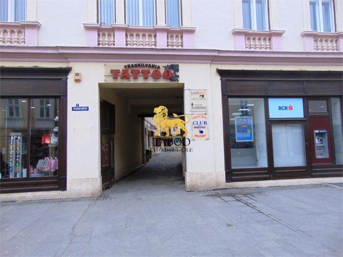 Sibiu Spatiu comercial de inchiriat cu 2 incaperi, cu 1 grup sanitar, suprafata 82 mp. Pret: 600 euro.