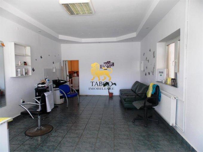 Spatiu comercial de inchiriat direct de la agentie imobiliara, in Sibiu, zona Terezian, cu 300 euro. 1 grup sanitar, suprafata utila 35 mp.