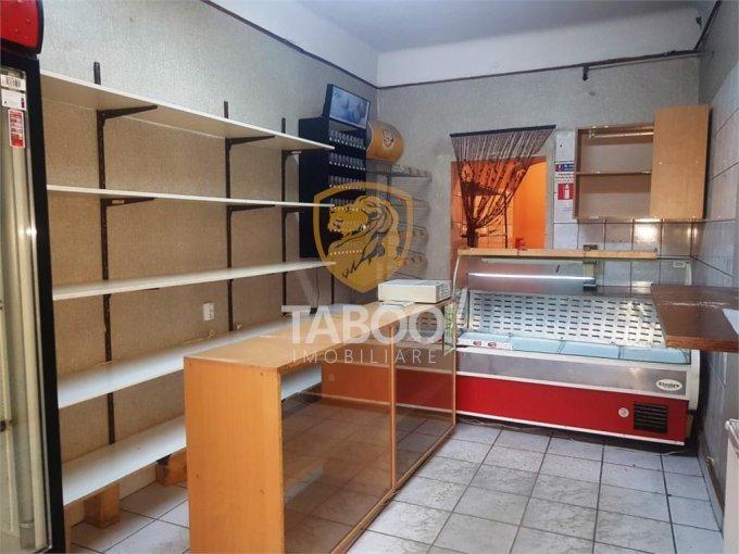 Spatiu comercial inchiriere Sibiu cu 2 incaperi de inchiriat, cu suprafata utila de 38 mp. 350 euro. Spatiu comercial Sibiu