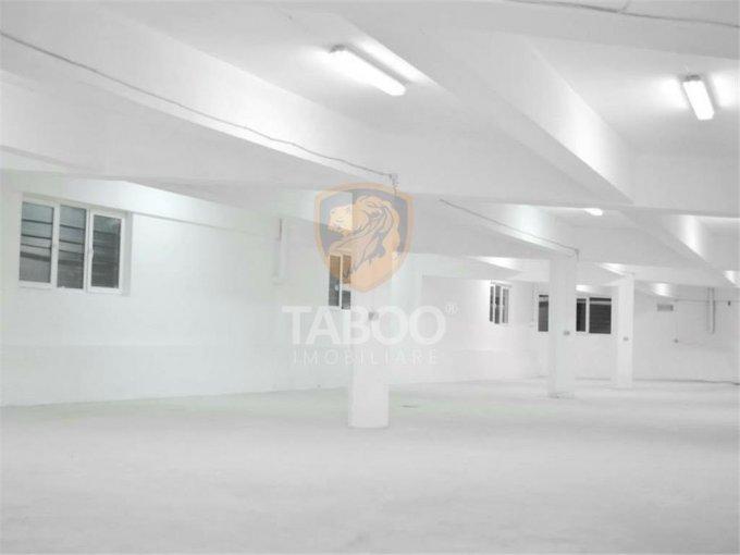 Cisnadie Spatiu comercial de inchiriat cu 2 incaperi, cu 1 grup sanitar, suprafata 500 mp. Pret: 1.250 euro.
