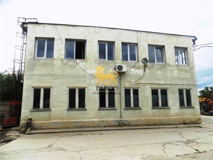 Compa  Sibiu Spatiu industrial de vanzare cu 38 incaperi, cu 4 grupuri sanitare, suprafata 4800 mp. Pret: 1.250.000 euro.