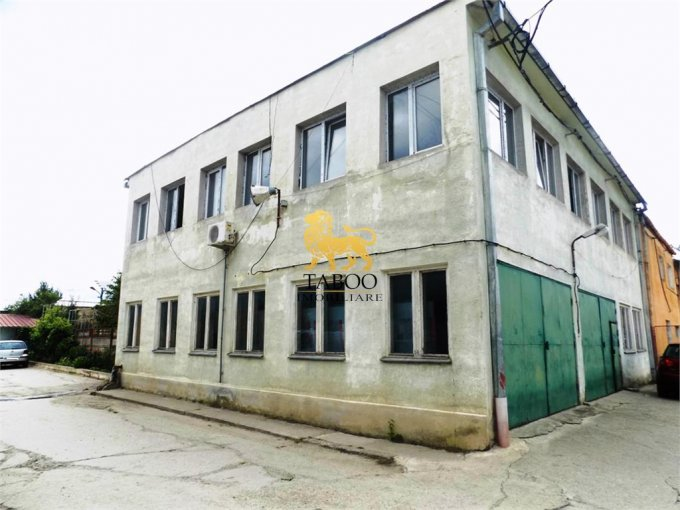 Spatiu industrial de vanzare direct de la agentie imobiliara, in Sibiu, zona Compa, cu 660.000 euro. 3 grupuri sanitare, suprafata utila 1154 mp.