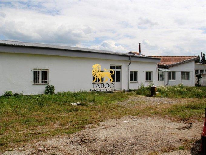 Viile Sibiului  Sibiu Spatiu industrial de inchiriat cu 32 incaperi, cu 4 grupuri sanitare, suprafata 842 mp. Pret: 3.000 euro.