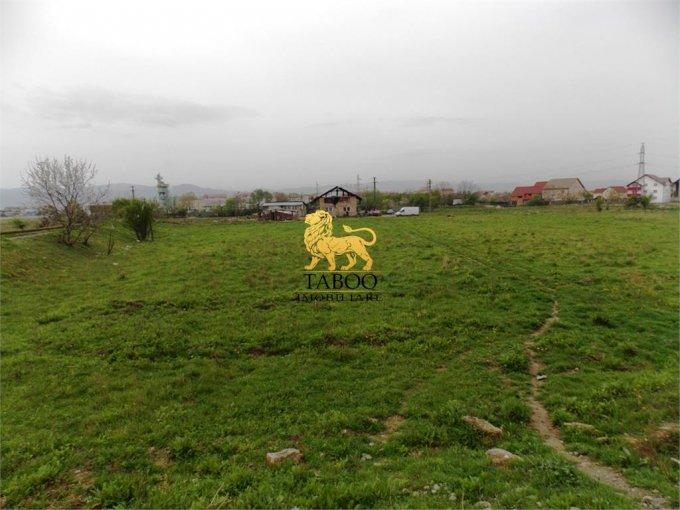 Teren intravilan de vanzare in Sibiu, zona Lazaret. Suprafata terenului 6480 metri patrati, deschidere 63 metri. Pret: 275.000 euro.