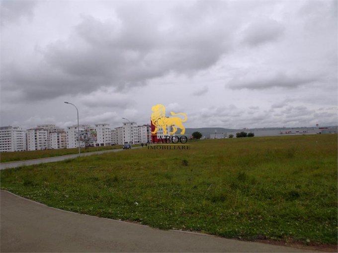 Teren intravilan de vanzare in Sibiu. Suprafata terenului 570 metri patrati, deschidere 25 metri. Pret: 69.000 euro.