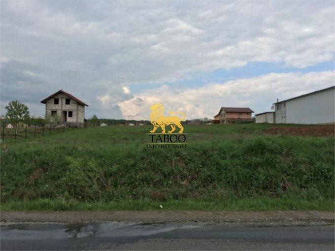 Teren intravilan de vanzare direct de la agentie imobiliara, in Sibiu, zona Calea Cisnadiei, cu 140.000 euro. Suprafata de teren 3100 metri patrati cu deschidere de 155 metri.