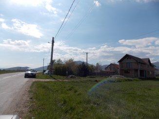 proprietar vand teren intravilan in suprafata de 3550 metri patrati, comuna Orlat