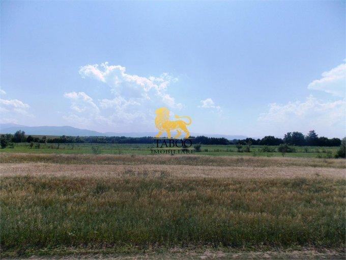 Teren intravilan de vanzare in Sibiu, zona Selimbar. Suprafata terenului 1350 metri patrati, deschidere 40 metri. Pret: 74.000 euro.