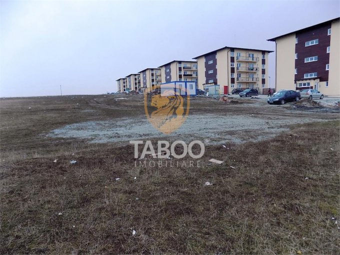Teren intravilan de vanzare direct de la agentie imobiliara, in Sibiu, zona Turnisor, cu 225.000 euro. Suprafata de teren 2200 metri patrati cu deschidere de 26 metri.