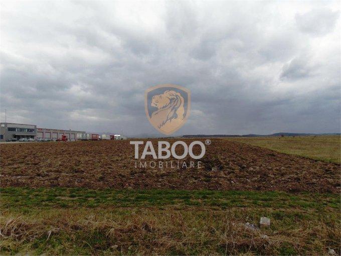 Teren intravilan de vanzare in Sibiu. Suprafata terenului 20800 metri patrati, deschidere 99 metri. Pret: 1.400.000 euro.