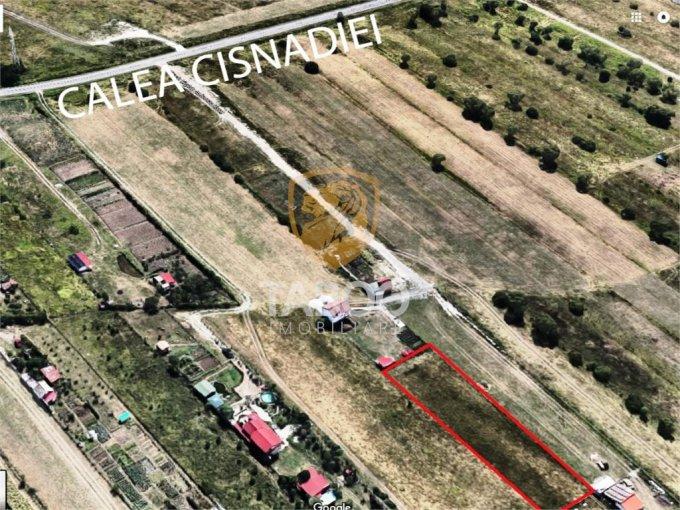 Teren intravilan de vanzare in Sibiu, zona Calea Cisnadiei. Suprafata terenului 650 metri patrati, deschidere 38 metri. Pret: 17.500 euro.