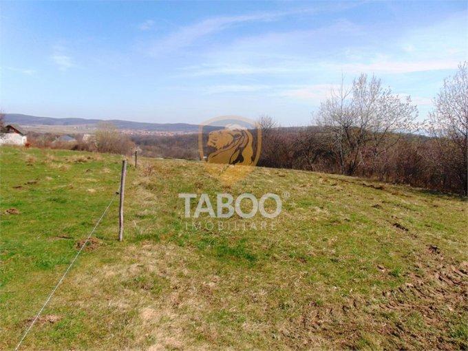 de vanzare teren intravilan cu suprafata de 1350 mp si deschidere de 15 metri. In localitatea Sibiel.