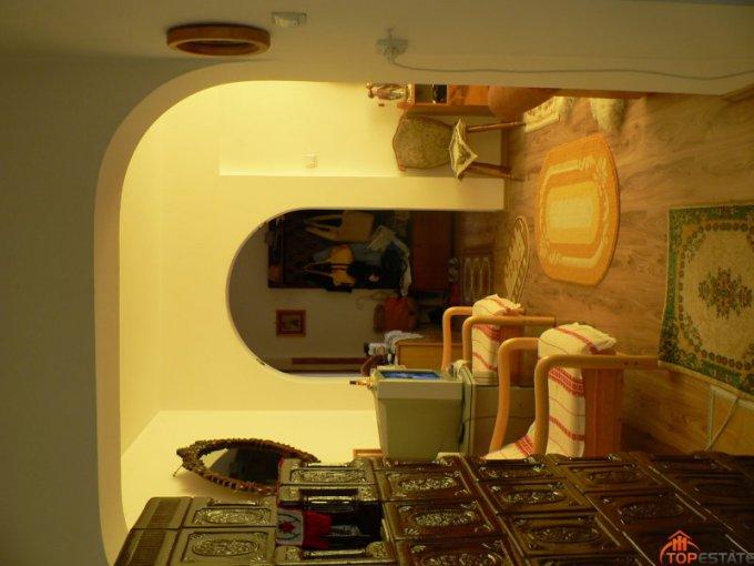 vanzare apartament cu 2 camere, semidecomandata, in zona Central, orasul Vatra Dornei