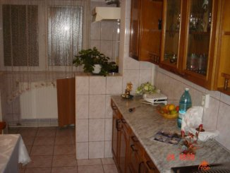 vanzare apartament cu 2 camere, decomandata, in zona Obcii, orasul Suceava