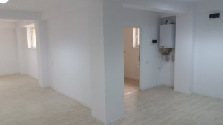 inchiriere Spatiu comercial 90 mp cu 5 incaperi, 2 grupuri sanitare, zona Centru, orasul Suceava