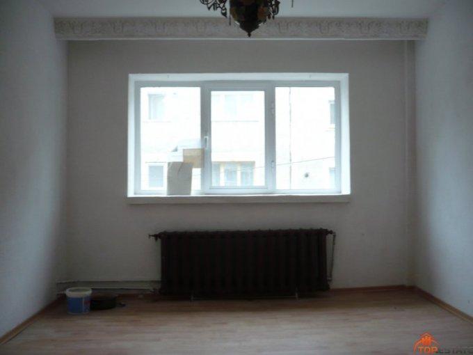 proprietar vand apartament decomandata, in zona Ultracentral, orasul Zimnicea