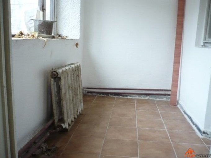 vanzare apartament cu 4 camere, decomandata, in zona Ultracentral, orasul Zimnicea