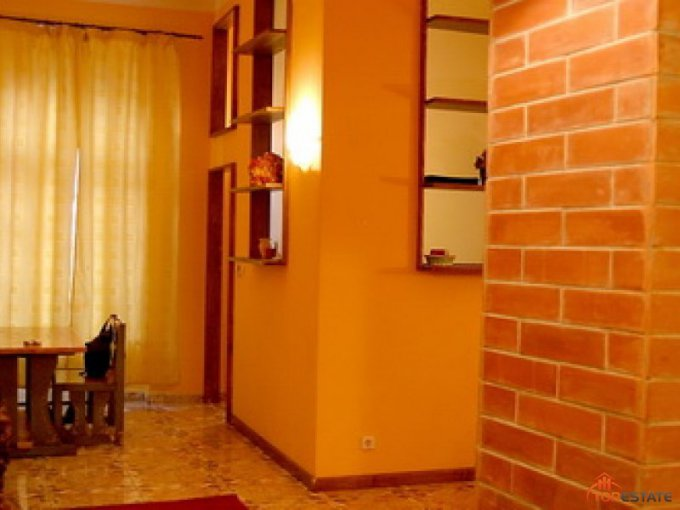 inchiriere apartament decomandata, zona Ultracentral, orasul Timisoara, suprafata utila 70 mp