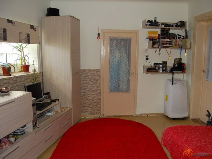 proprietar vand apartament semidecomandata, in zona Balcescu, orasul Timisoara