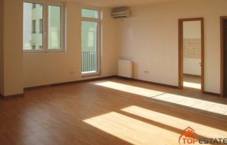 vanzare apartament cu 2 camere, decomandata, in zona Centrul Bancar, orasul Timisoara
