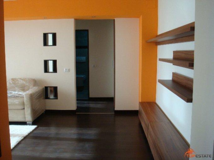 agentie imobiliara inchiriez apartament decomandata, in zona Piata Victoriei, orasul Timisoara
