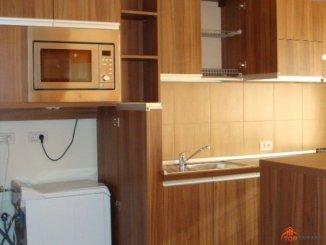 inchiriere apartament cu 2 camere, decomandata, in zona Piata Victoriei, orasul Timisoara