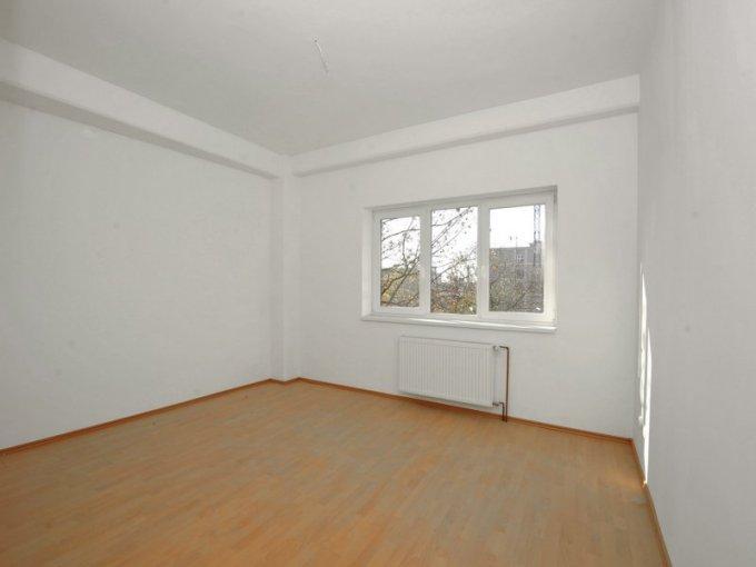 vanzare apartament cu 3 camere, decomandata, in zona Central, orasul Timisoara